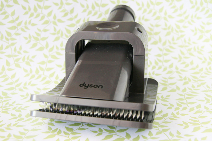 Bye bye pet hair! A full review or the Dyson Groom tool for pets - and a step by step guide on how to use it (even with dogs scared of the vacuum!)   Dyson Groom Review   Pretty Fluffy
