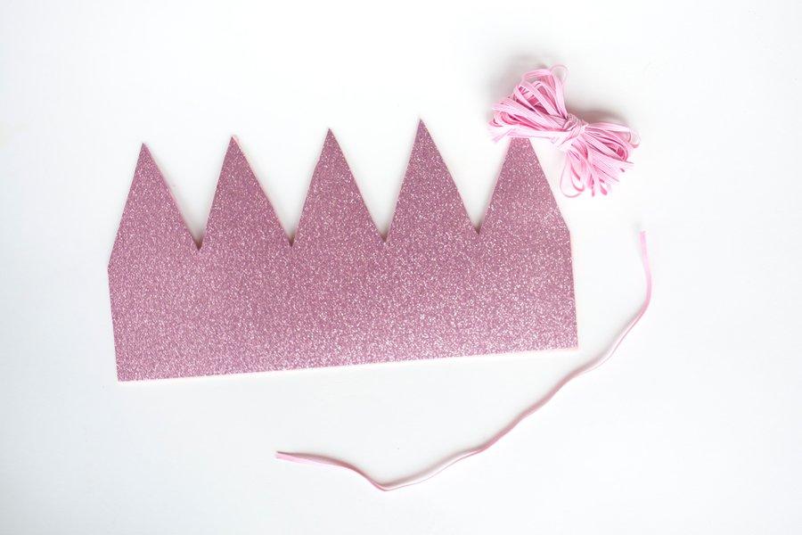 DIY Dog Birthday Crown   Pretty Fluffy