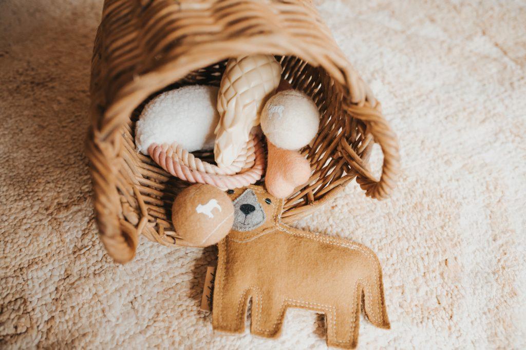 Pretty Fluffy - Dog Toys for a Neutral Home _-279